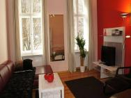2-room Apartment Emdener Strasse