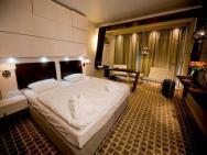 Marine Hotel*****