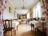 Dwór Konstancin - hotel Konstancin Jeziorna
