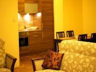 Apartamenty Floriańska 30 - Brązowy
