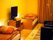 Apartamenty Floriańska 30 - Pomarańczowy