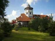 Osada Danków - Pałac Z Wieżą Widokową