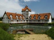 Osada Danków - Pałac na Wodzie