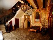 Folwark Stara Winiarnia - hotel Mszana Dolna