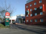 Ibis Poznań Centrum – zdjęcie 1