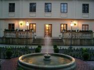 Dwór Ostoya - hotel Rzeszów