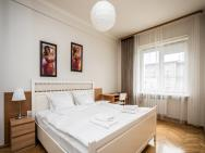 Apartamenty Wawa Centrum by Your Freedom – photo 10