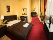 SCSK Żurawia - hotel Warszawa