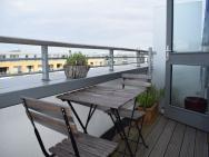 1 Bedroom Apartment In Islington With Balcony