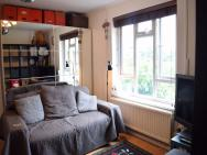 1 Bedroom Apartment In North London