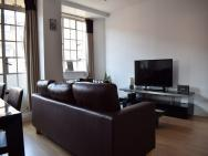 1 Bedroom Apartment In South Kensington