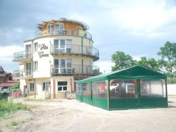 Villa corona gda sk for Villas corona