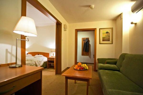 Hotel photo Logos