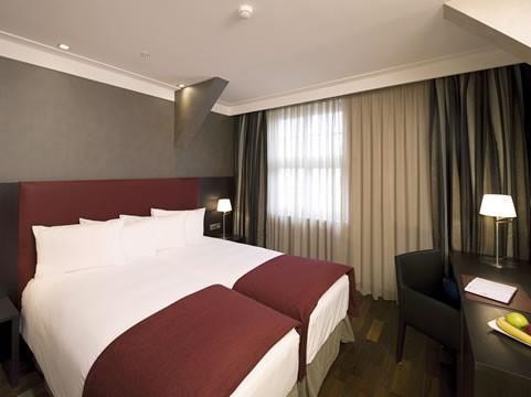 Hotel photo NH Poznań