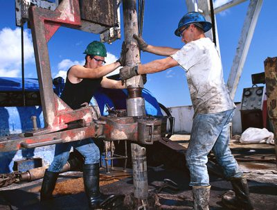 Removing the US ban on crude oil exports would create between 394,000 and 859,000 jobs annually from 2016 to 2030 in oil production and the supply chain as well as the broader economy, according to report by IHS released on March 17..