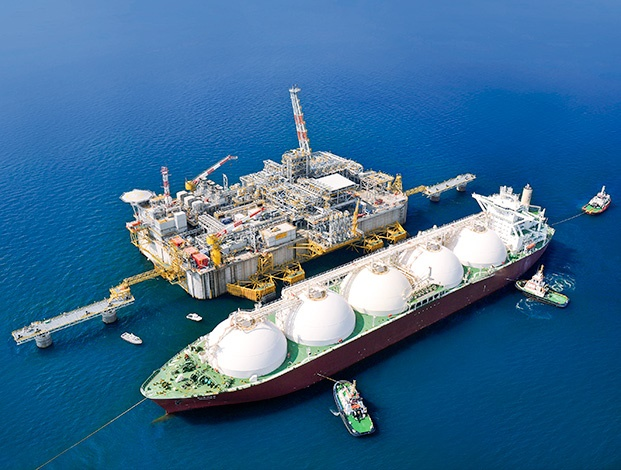 Qatar to order 60 LNG carriers