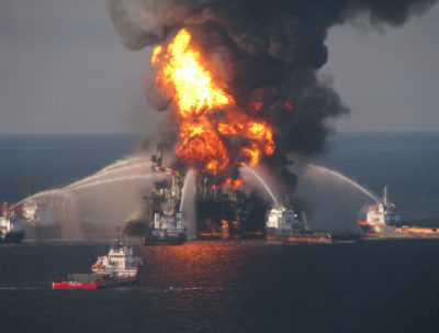 A fire broke out in the machine room on an oil platform located in the southern edge of the Gulf of Mexico, Mexico's state-run energy giant Pemex reported on Saturday.