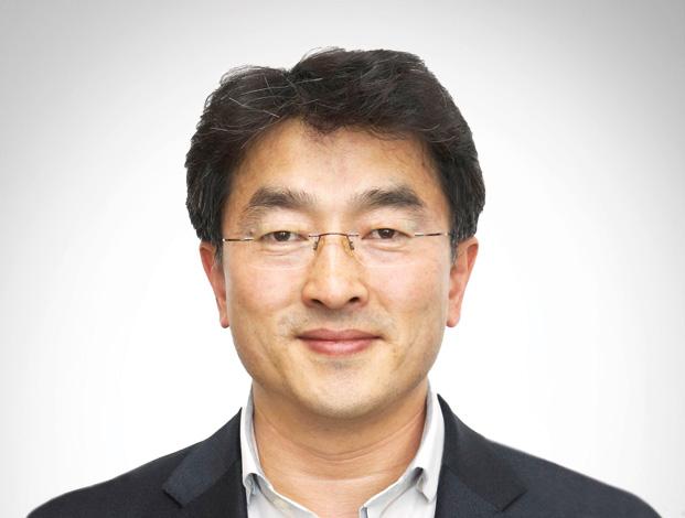 Hong NAMKOONG, Executive Vice-President and Managing Director, UAE of SAMSUNG ENGINEERING COMPANY