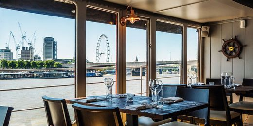 Lunch & Bubbly Aboard 1920's Steam Yacht on the River Thames. Save up to 62%