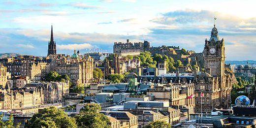 Edinburgh: 3 Day City Break with Hotel & Rail Travel Included