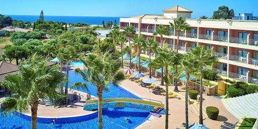 Algarve: Award Winning Getaway Including Breakfast
