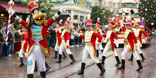 Christmas at Disneyland® Paris: Receive a €200 Gift Card! Travel before the 5th January