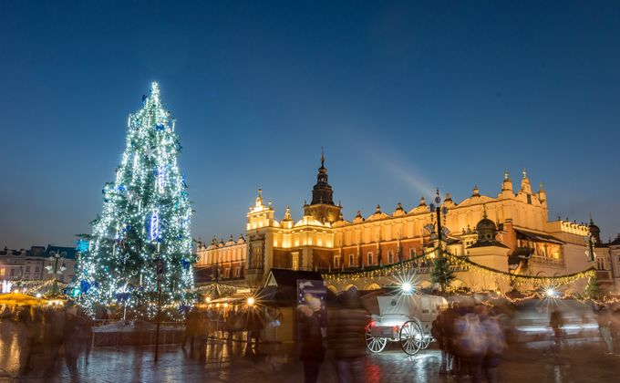 Krakow: Poland City Break to Award Winning Hotel w/Flights & Breakfast