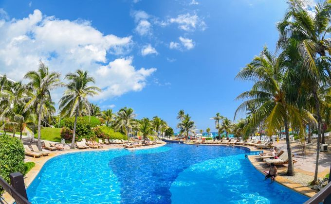 Mexico: All Inclusive Beachfront Holiday in Cancun with Casino & Golf Course