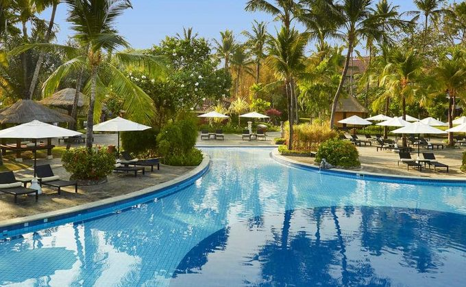 Indonesia: 5 Star Award Winning Bali Hotel Incl. Flights and Breakfast