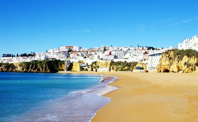 Algarve: 4 Star Self Catering Holiday to Albufeira Incl. Resort Transfer