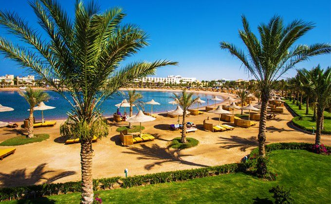 Hurghada: 5 Star All Inclusive Holiday with On-Site Water Park & Spa