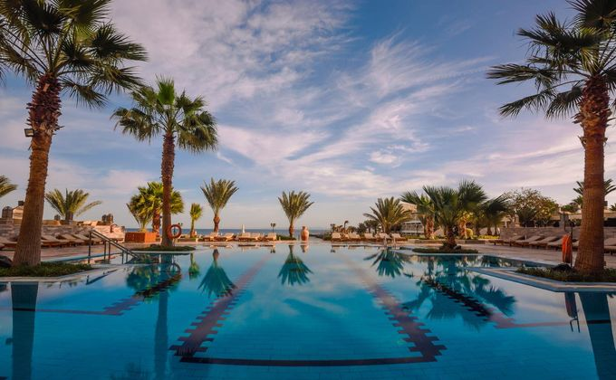 Hurghada: Award Winning 4 Star All Inclusive Hotel with Kids Stay FREE & Flights