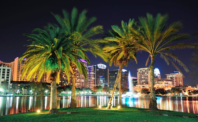 Orlando: Disney Area Executive Villa for 14 Nts in July & Aug w/Pool, Flights & Car Hire