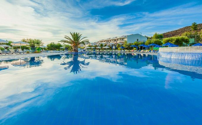 Halkidiki: 5 Star Ultra All Inclusive Holiday w/Spa & Kids Stay FREE