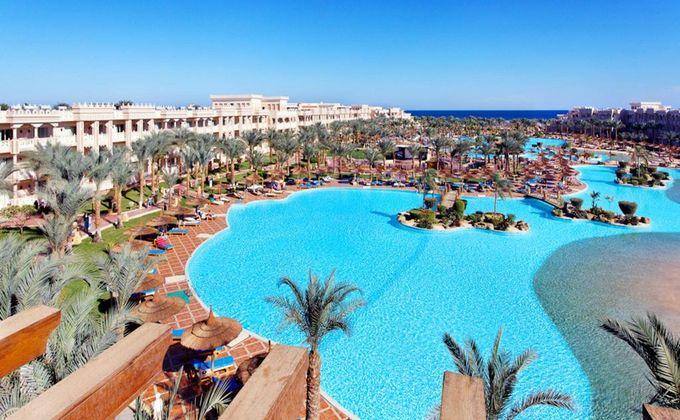 Hurghada: 5 Star All Inclusive Holiday to Award Winning Albatros Palace Resort. Save 39%