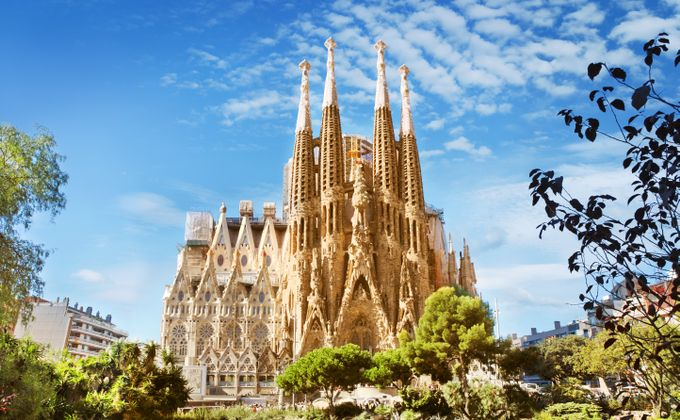 Barcelona: City Break to Award Winning Gothic Quarter Hotel w/Flights & Kids Stay FREE