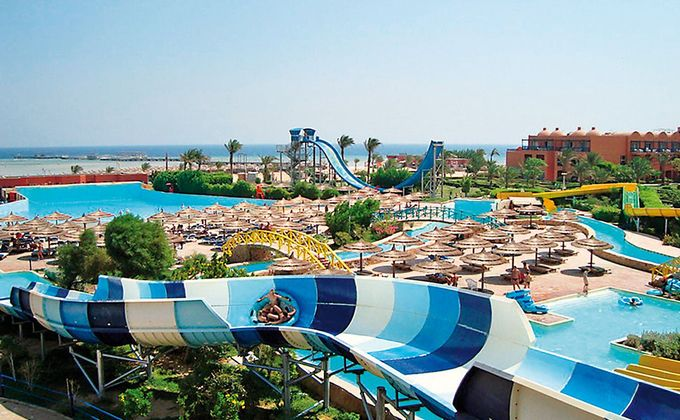 Hurghada: 5 Star All Inclusive Holiday w/Flights & Water-Park from Love Holidays