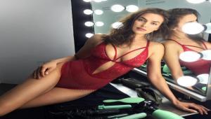 53a1e7edd8b Irina Shayk: Η σέξι selfie της μπροστά στον καθρέφτη