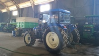 Tractor agrícola - New Holland - TL -80 New Holland
