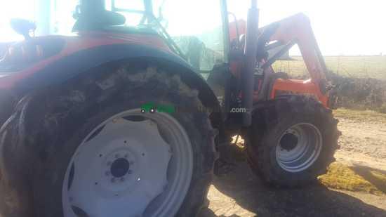 Tractor agrícola - Mc Cormick - MX110 con pala MX