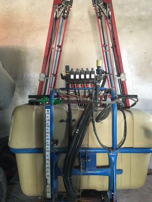 Pulverizador Suspendido AGUIRRE 1200 L