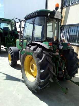 Tractor agrícola - John Deere - 5615F
