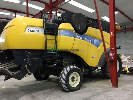 Cosechadora de Cereal - New Holland - CX8060