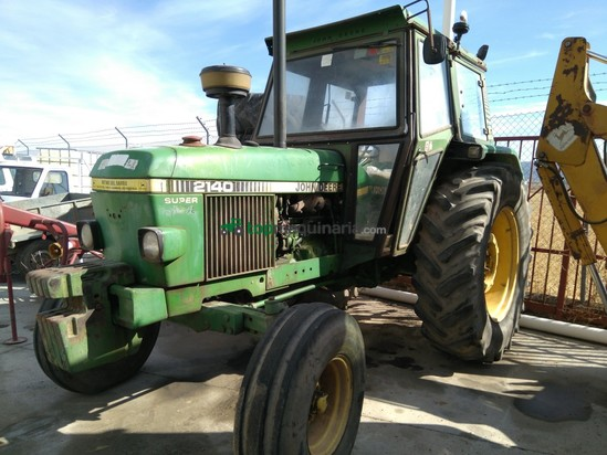 Tractor agrícola - John Deere - 2140 DT