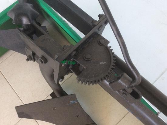Arado bisurco para motocultor