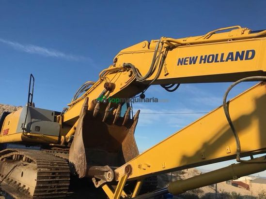 Excavadora New Holland 265