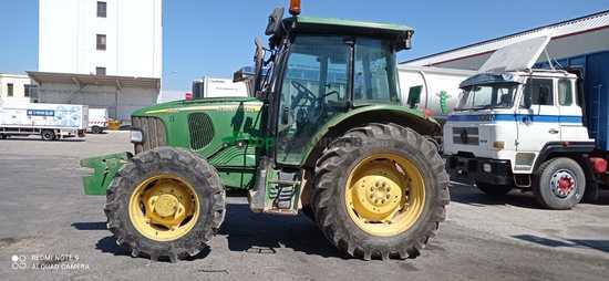 Tractor agrícola - John Deere - 5820