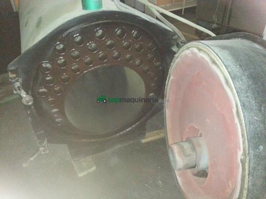 caldera industrial de agua caliente y vapo