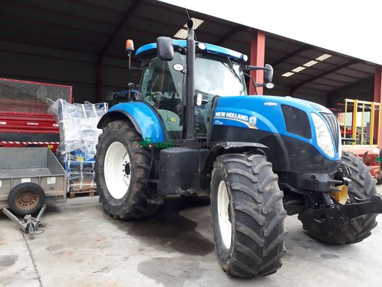 Tractor agrícola - New Holland - T7.210 AUTOCOMMAND
