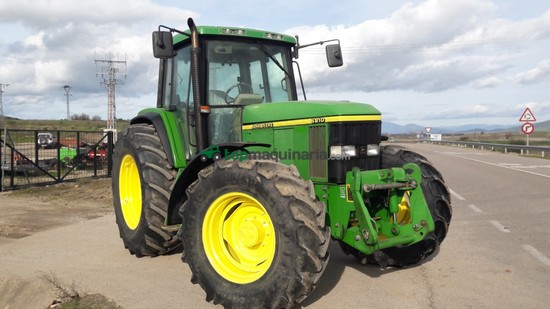 Tractor agrícola - John Deere - 6810 PREMIUN CON TRIPUNTAL